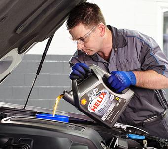 Olie-bijvullen_oliepijl_Auto-olie